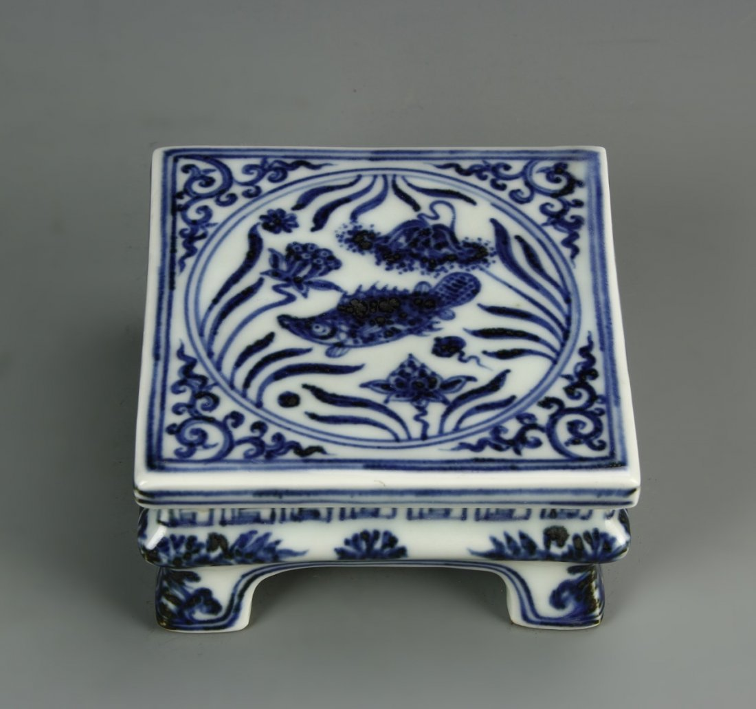 Chinese Blue And White Ink Bed - 2