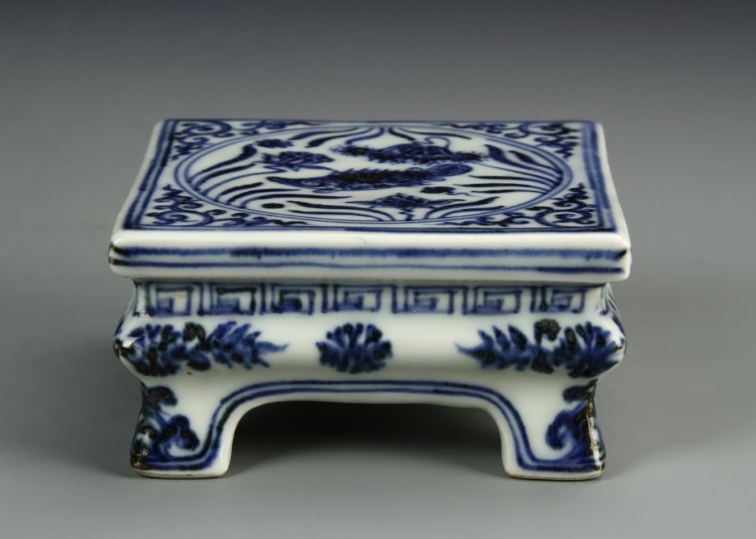 Chinese Blue And White Ink Bed - 6