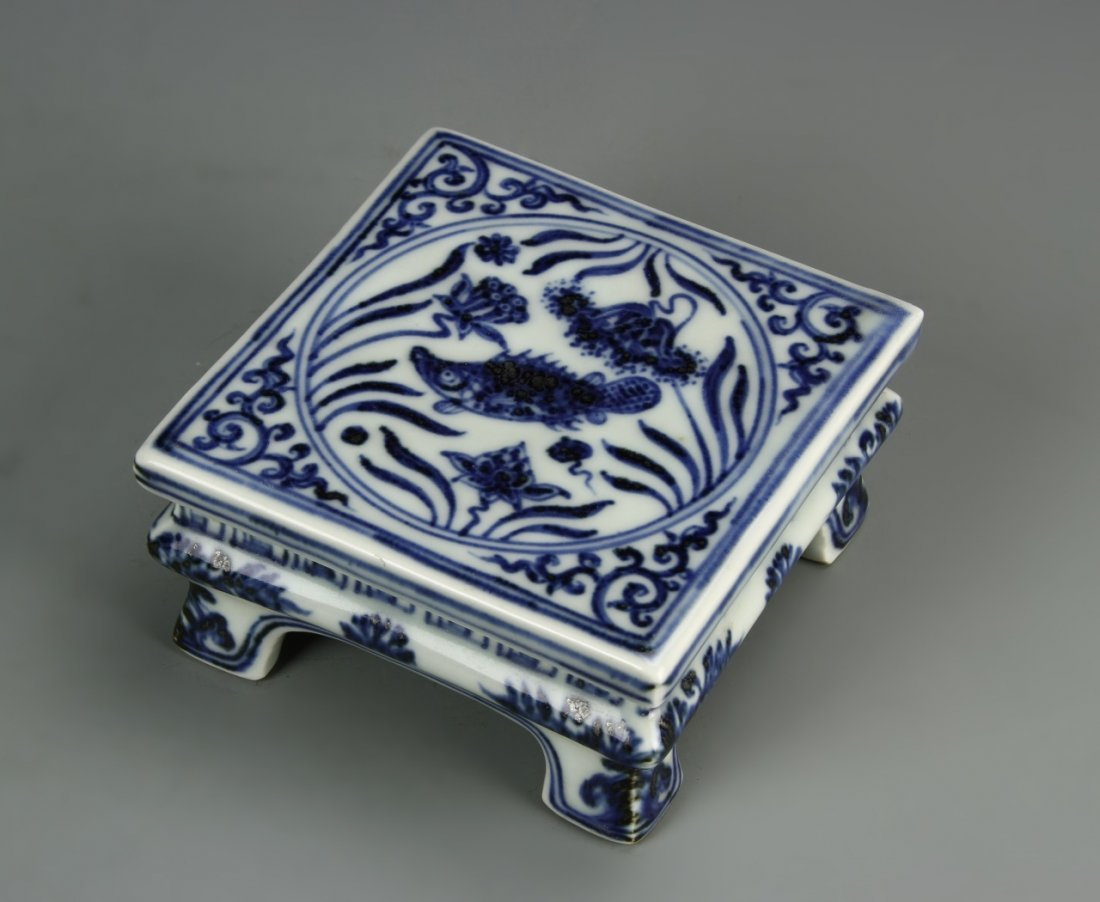 Chinese Blue And White Ink Bed - 9