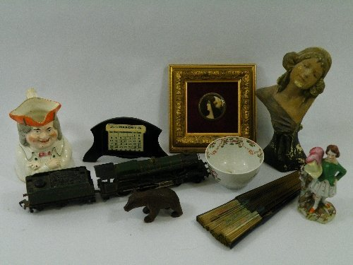 14: A mixed lot of collectables; a New Hall tea bowl, a