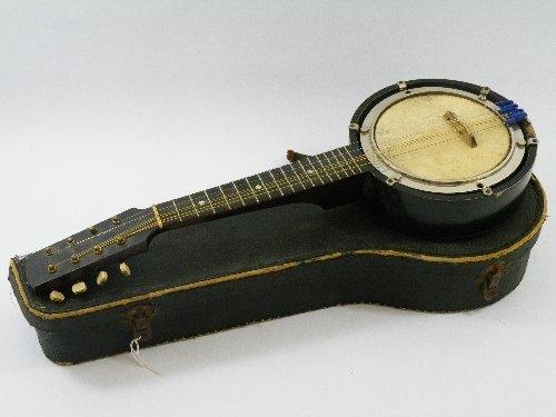 459: Boxed 8 string banjolin or banjolele
