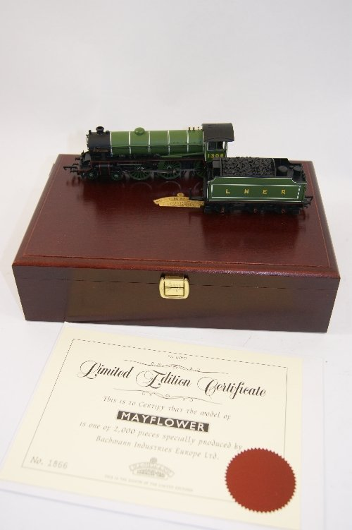 9: Bachmann Branch Line limited edition 00 gauge collec