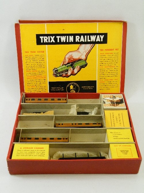 15: A boxed part set LNER Trix Twin railway set compris