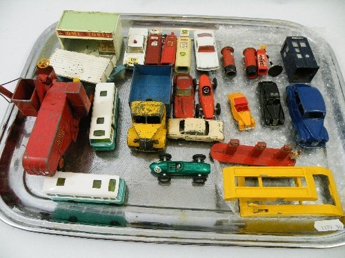 20: A mixed lot of Dinky die cast toys & others to incl