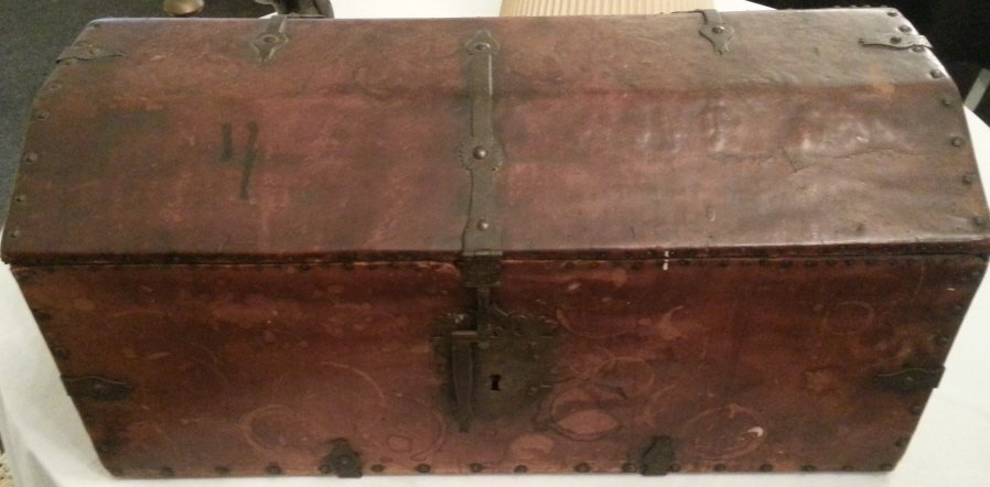 19: Early 19th Century Chest