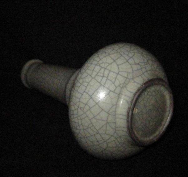 Chinese guan long neck vase - 2