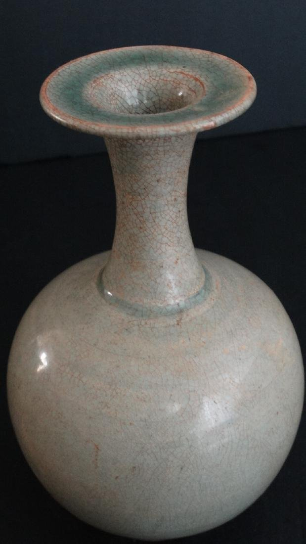 Chinese Tang Dynasty secret collors green vase