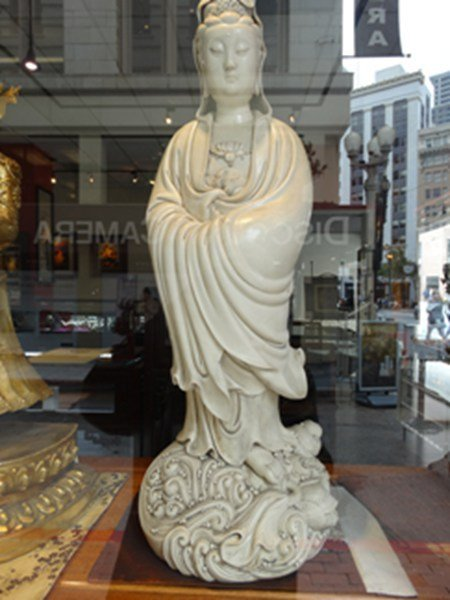 ChinesDehua kiln Guanyin figure