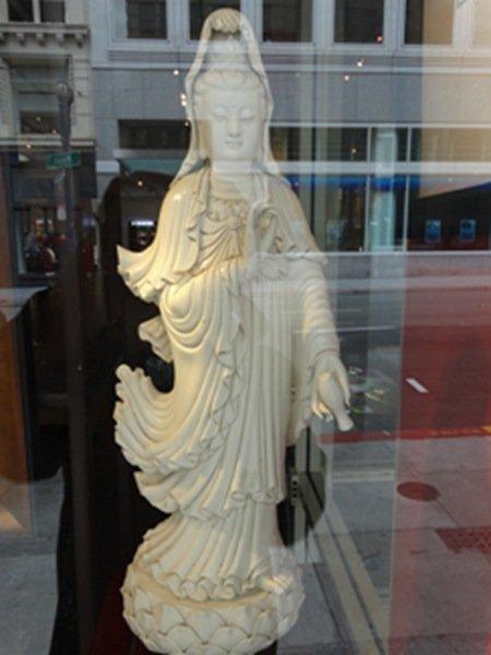 ChinesDehua kiln Guanyin figure2