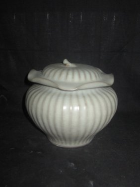 Chinese Lotus Lid Jar