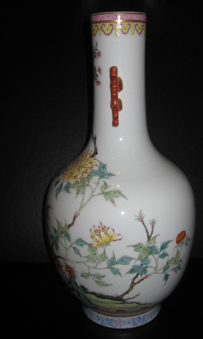 Jiaqien dynasty long neck famillar vase with ears - 2