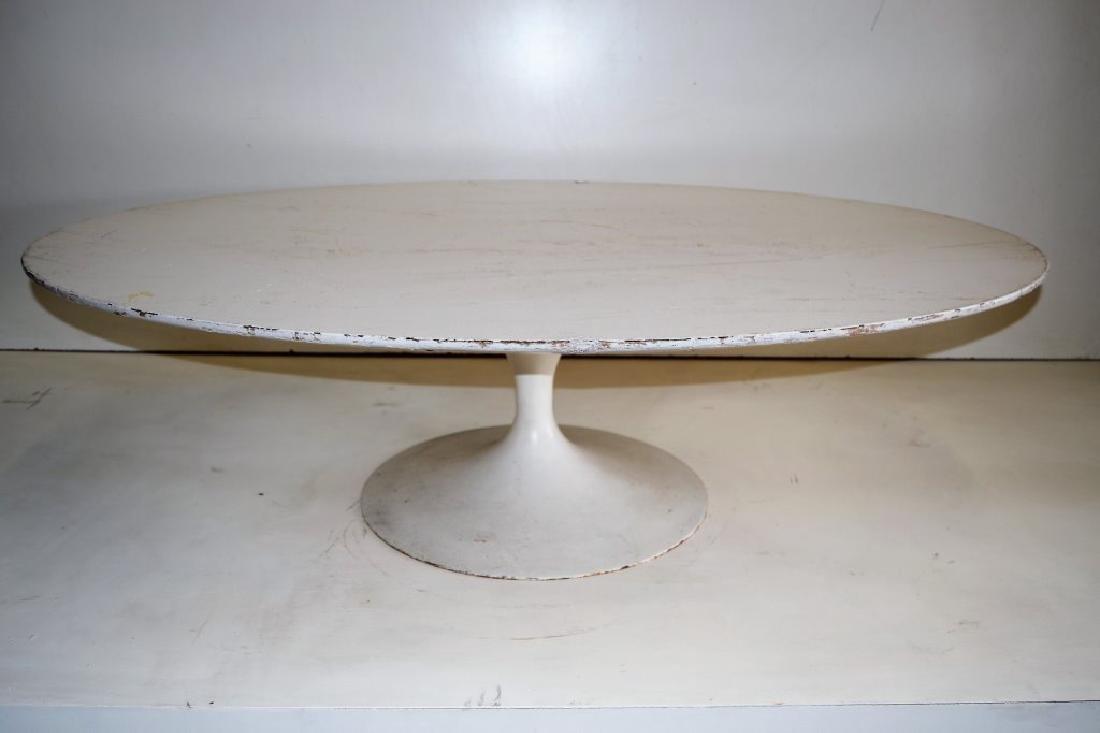 Eero Saarinen Oval Cocktail Table for Knoll - 2