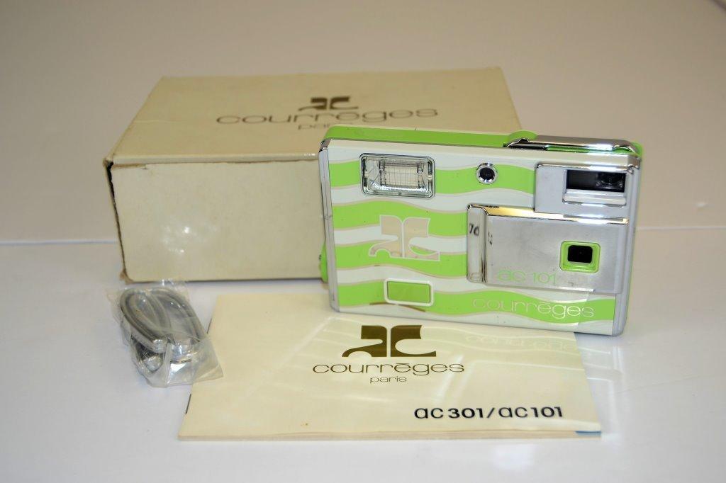 Courreges Camera