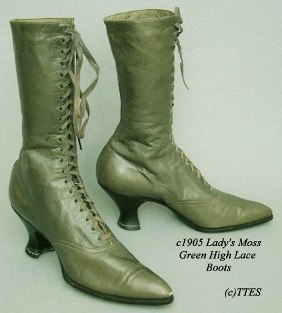 410: c1905 Lady's Moss Green High Lace Boots