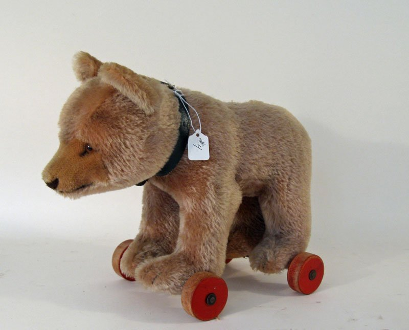 4: Steiff type wheeled teddy bear, 11 inches tall 13 in