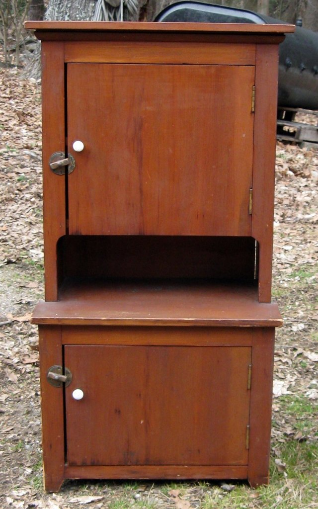 Child's step-back cupboard. Condition: good.