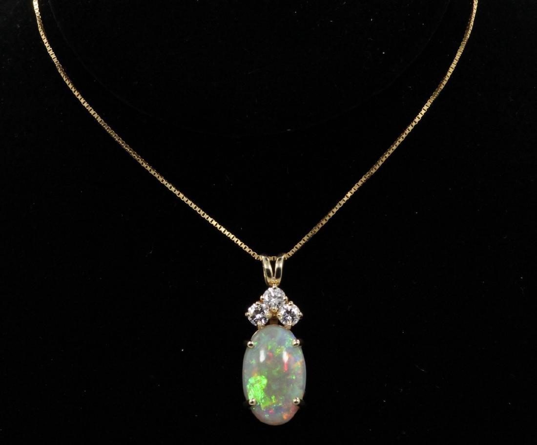 18mm Flawless Opal, 0.60ctw Diam. & 14K Necklace