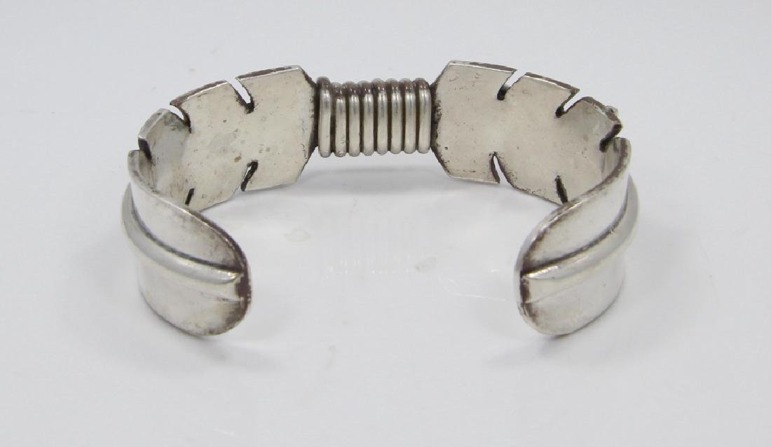 Mike Thomas Jr. Navajo Solid Silver Feather Cuff - 4