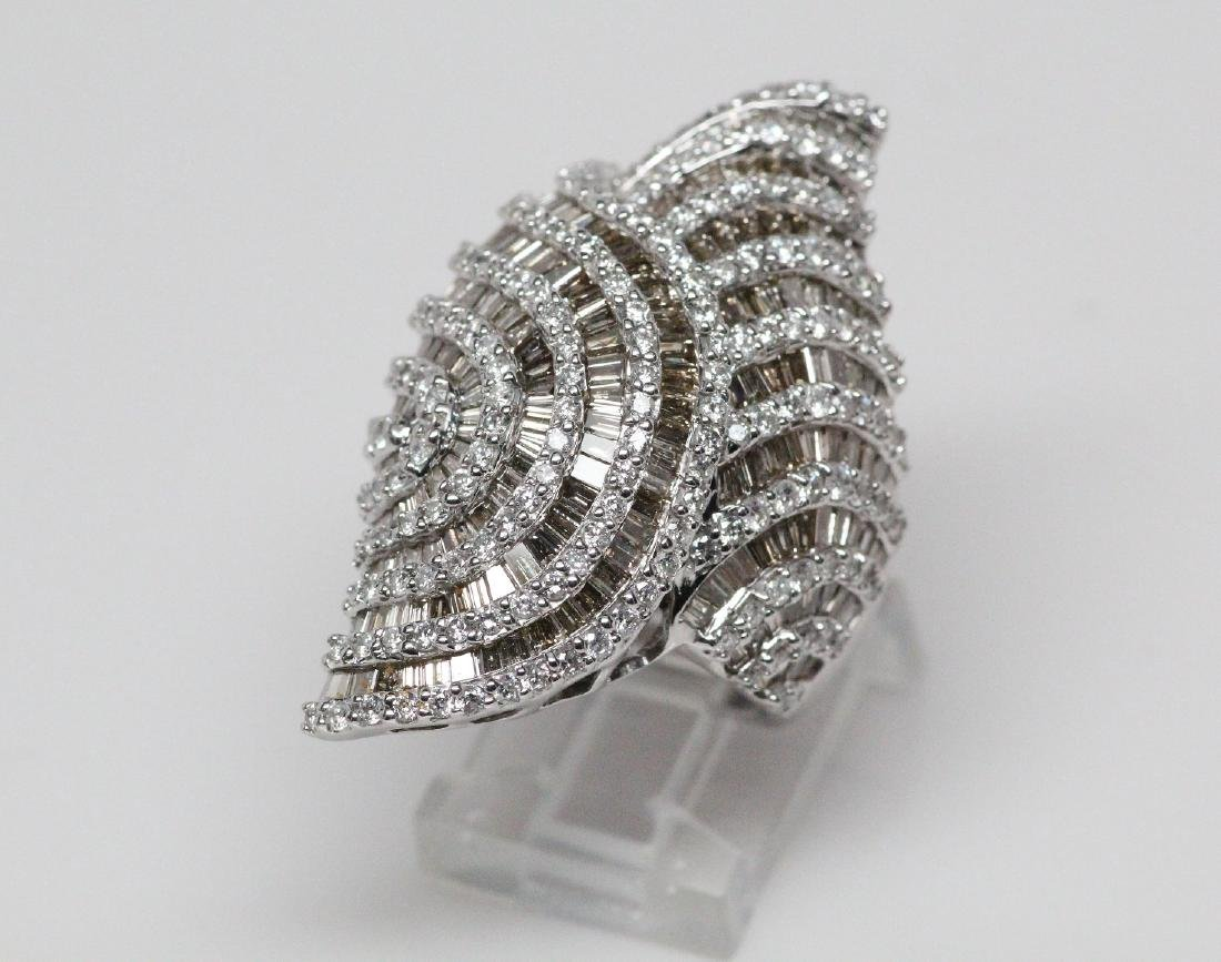 6.50ctw White & Champagne Diamond 18K Ring