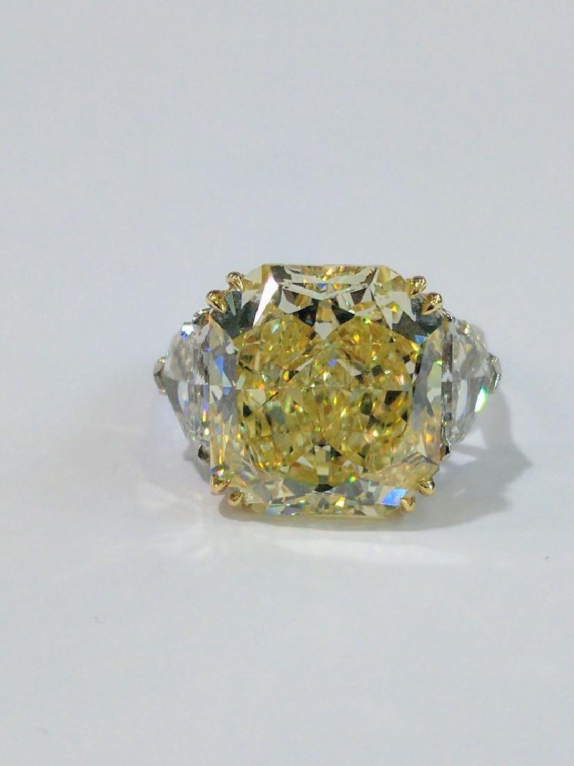 14ct VS2 Fancy Yellow GIA Diamond Platinum Ring
