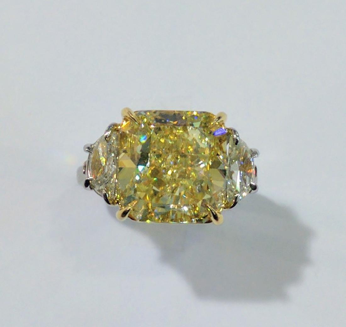 10ct VS2 Fancy Yellow GIA Diam. in Platinum Ring