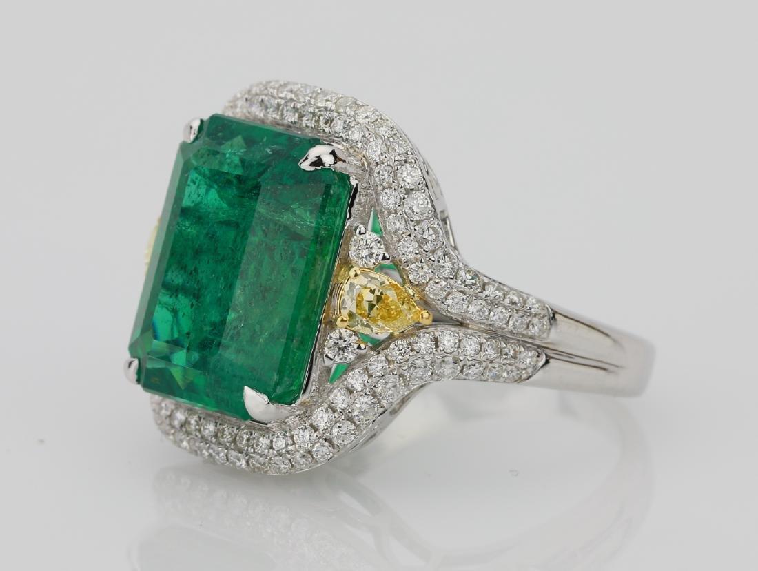 9.2ct Emerald, 1.3ctw Yellow/White Diamond 18K Ring - 2