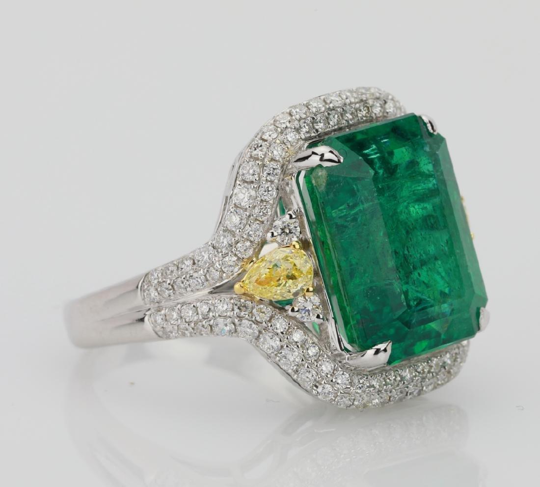 9.2ct Emerald, 1.3ctw Yellow/White Diamond 18K Ring - 3