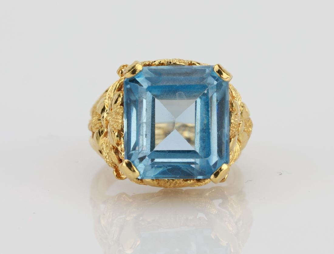 Italian 9.5ct Near Flawless Blue Topaz & 18K Ring