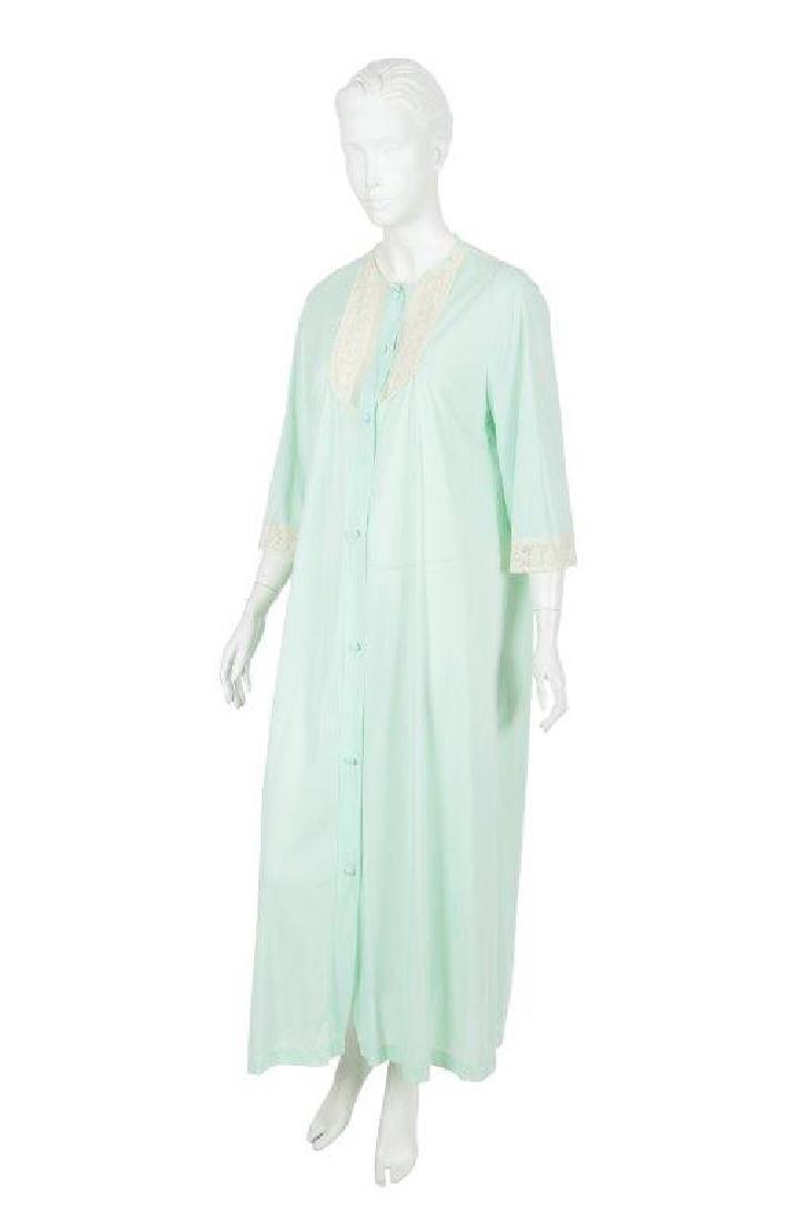 """Oprah Winfrey's """"The Butler"""" Dressing Gown W/COA - 10"""