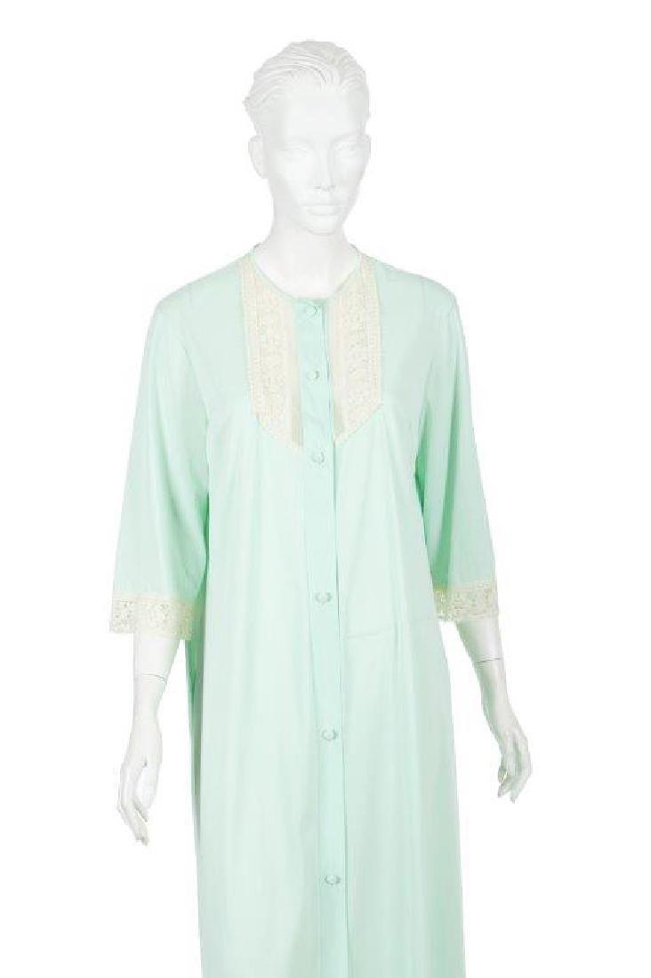 """Oprah Winfrey's """"The Butler"""" Dressing Gown W/COA - 2"""