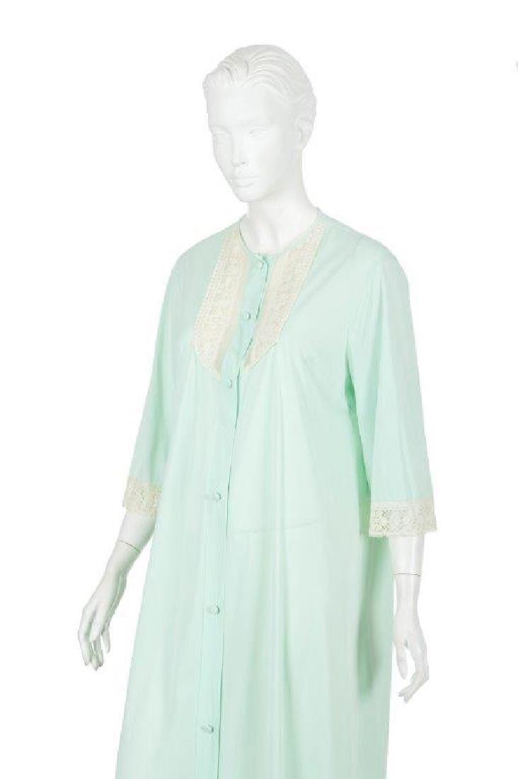"""Oprah Winfrey's """"The Butler"""" Dressing Gown W/COA - 4"""