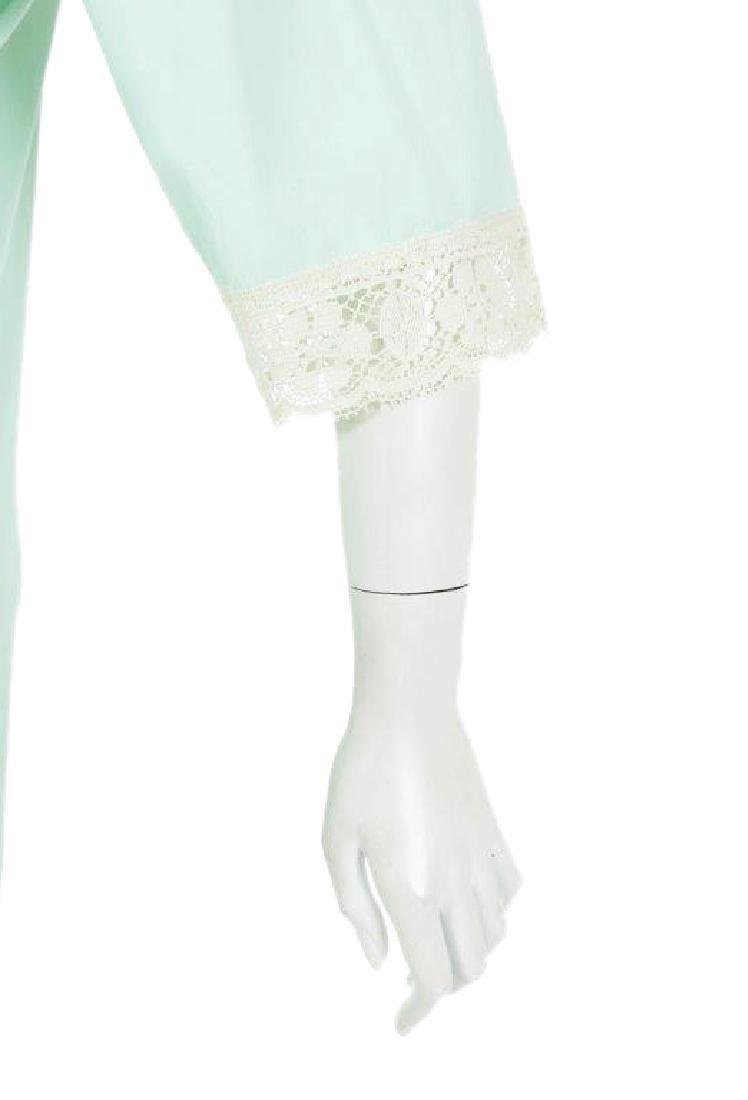 """Oprah Winfrey's """"The Butler"""" Dressing Gown W/COA - 5"""