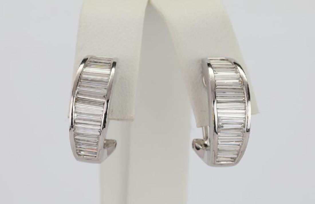 """2.50ctw VS1-VS2/G-H Diamond & 18K 0.75"""" Earrings"""