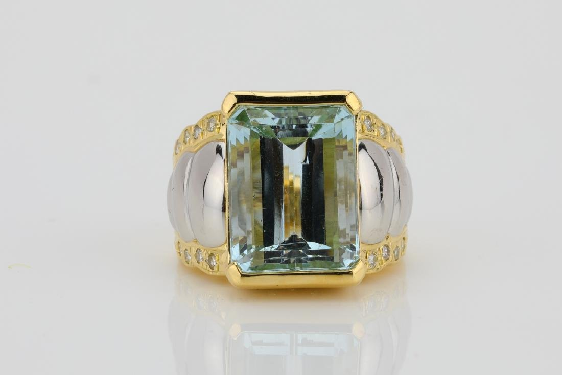 11.50ct Aquamarine, 18K/Platinum Ring W/Diamonds