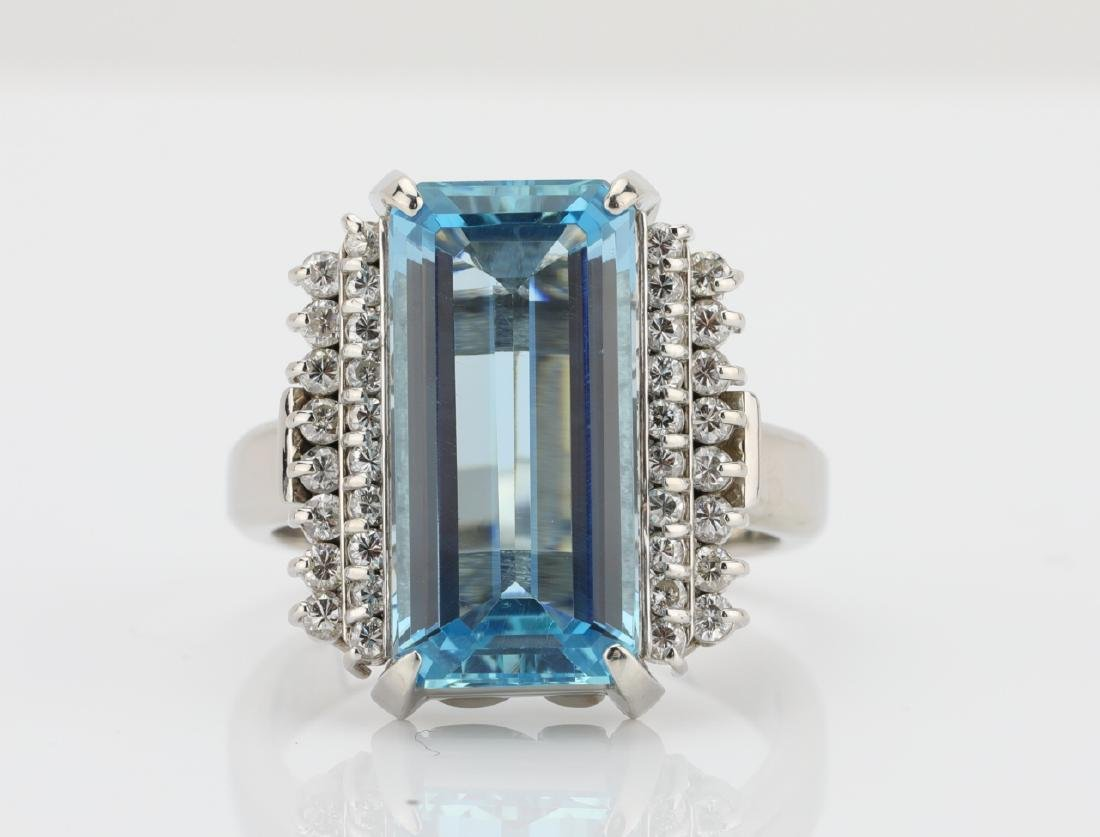 4.6ct Aquamarine, 0.40ctw Diamond & Platinum Ring