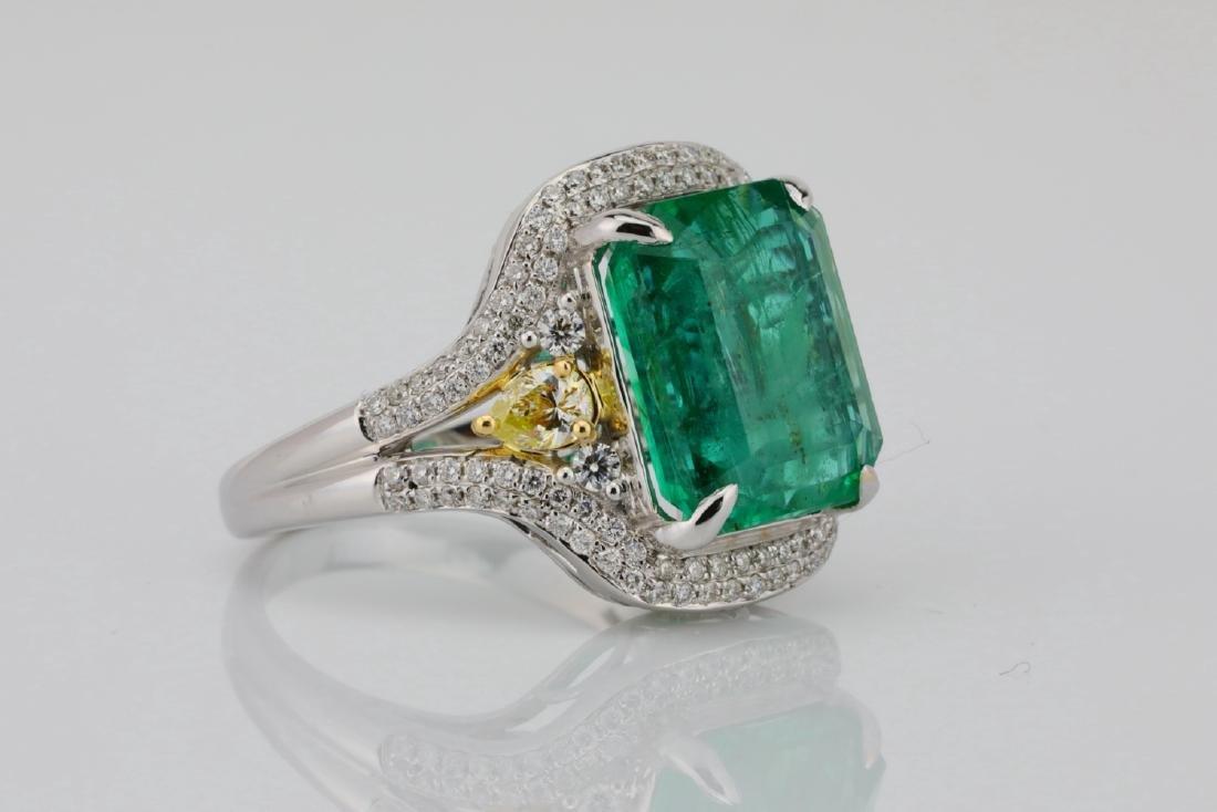6.35ct Emerald, .8ctw Yellow/White Diamond 18K Ring - 3