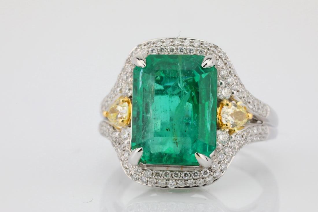 6.35ct Emerald, .8ctw Yellow/White Diamond 18K Ring - 4