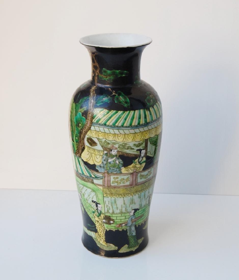 Vietnamese Qing Dynasty Famille Noire Verte Vase