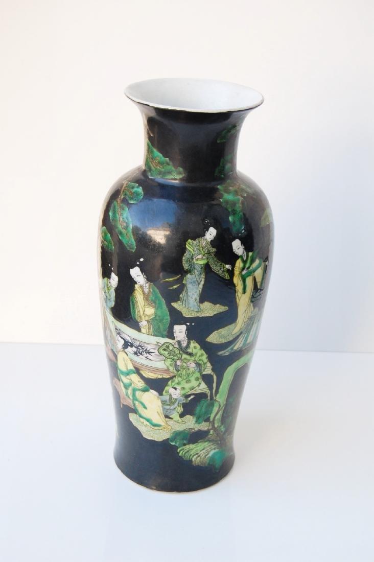 Vietnamese Qing Dynasty Famille Noire Verte Vase - 2