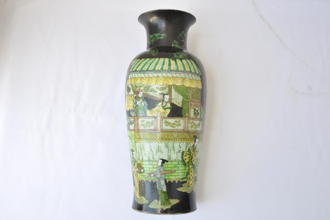 Vietnamese Qing Dynasty Famille Noire Verte Vase - 3