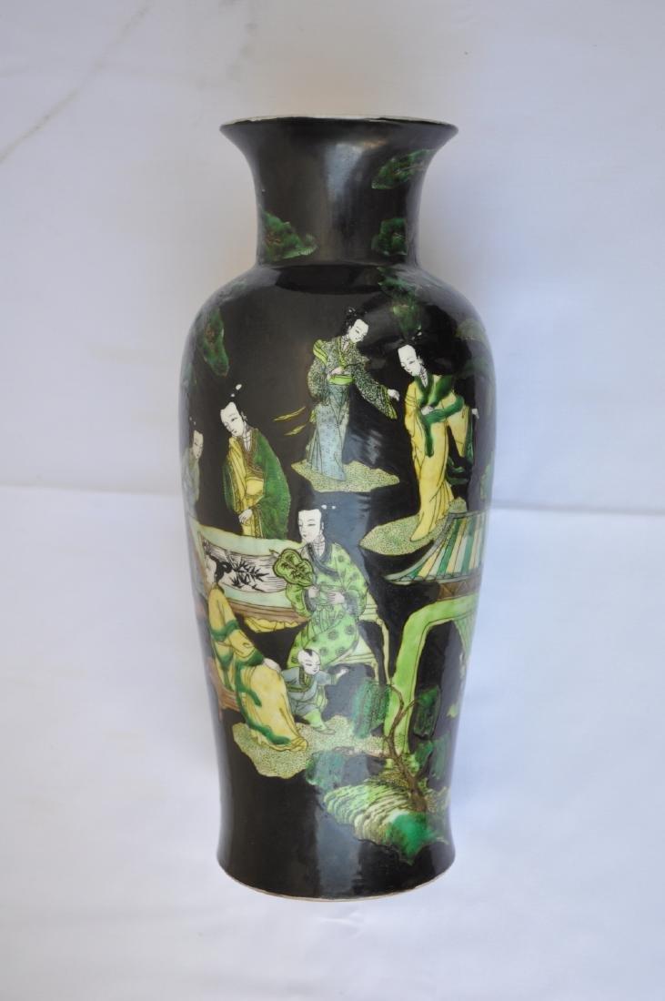 Vietnamese Qing Dynasty Famille Noire Verte Vase - 4