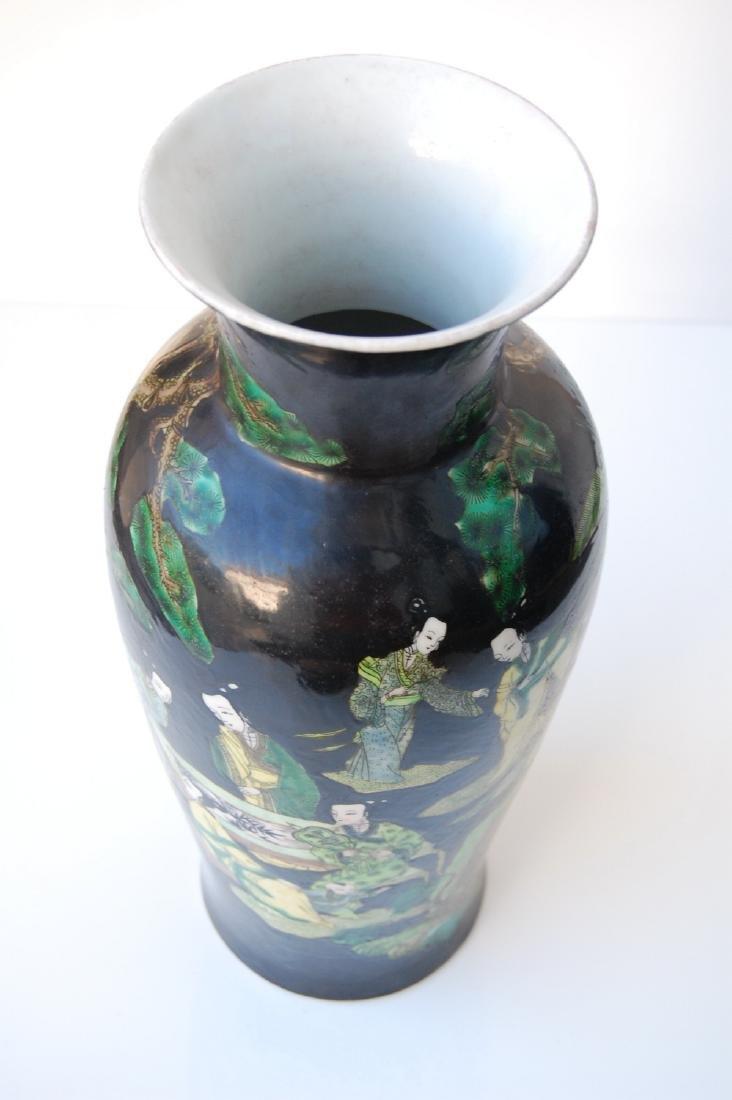 Vietnamese Qing Dynasty Famille Noire Verte Vase - 6
