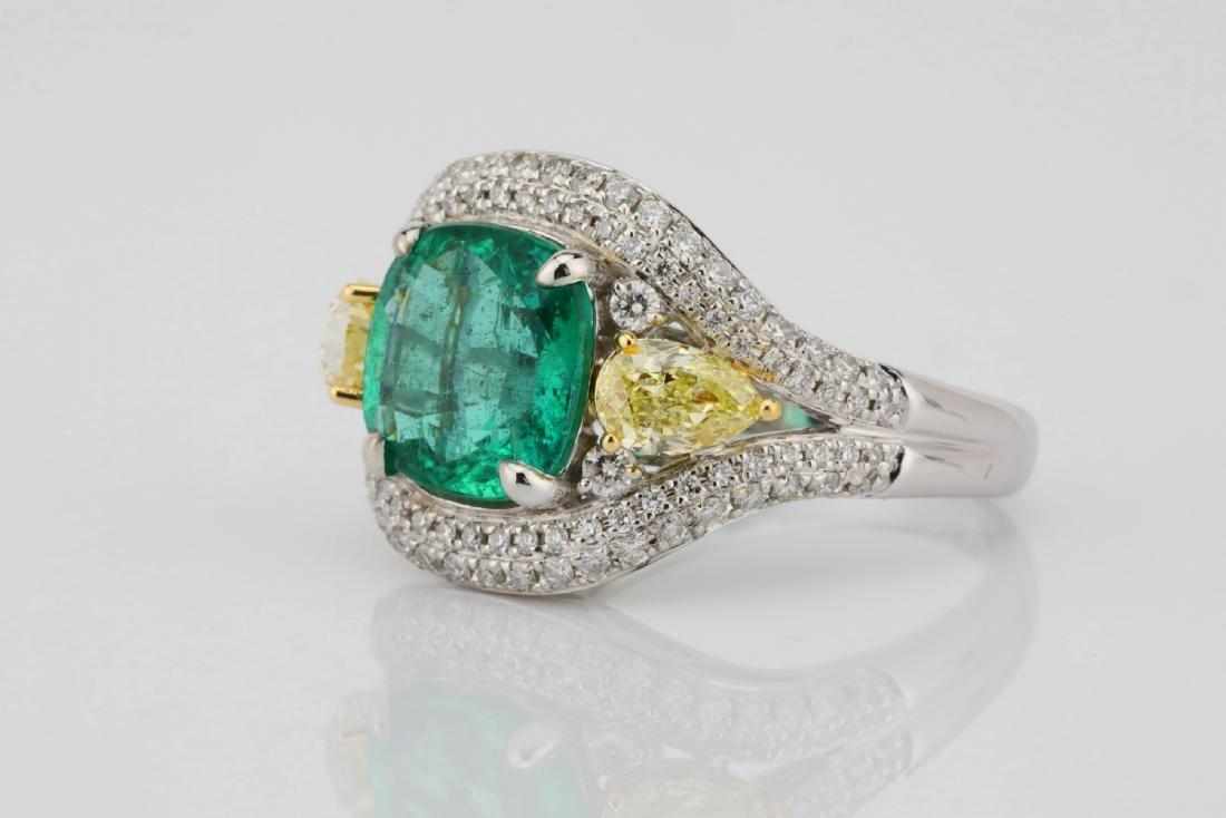 3.85ct Emerald & 1.75ctw Yellow/White Diamond Ring - 2