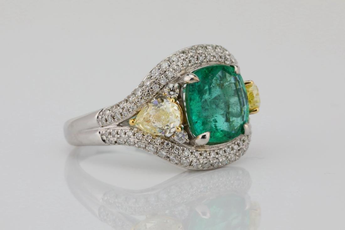 3.85ct Emerald & 1.75ctw Yellow/White Diamond Ring - 3