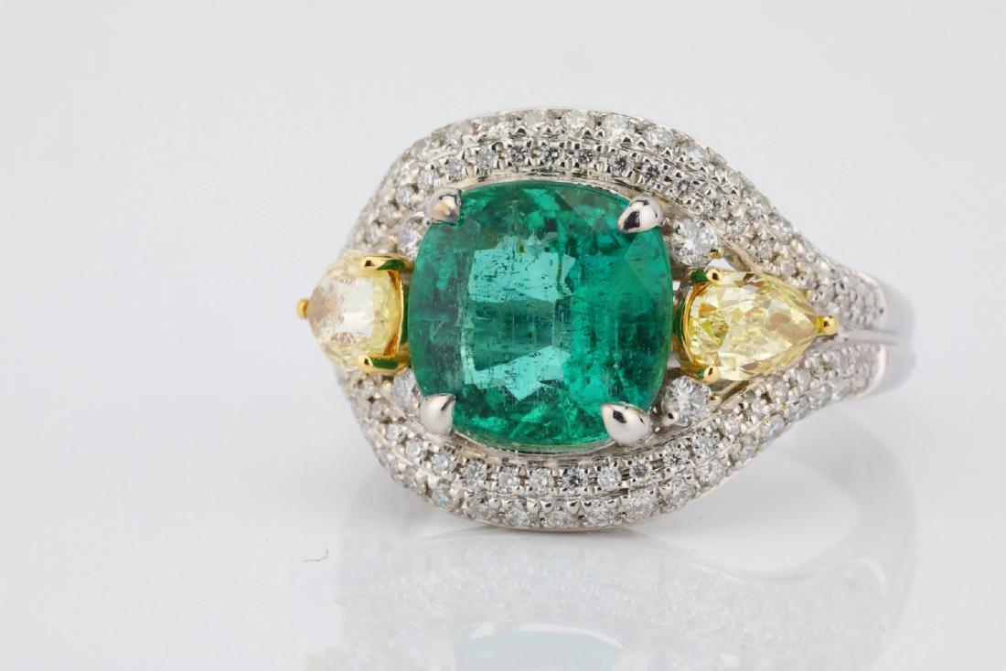 3.85ct Emerald & 1.75ctw Yellow/White Diamond Ring - 4