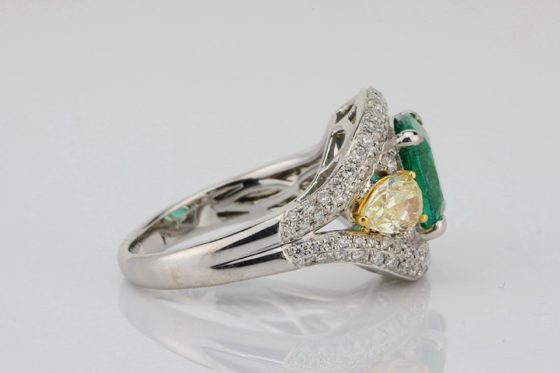 3.85ct Emerald & 1.75ctw Yellow/White Diamond Ring - 7