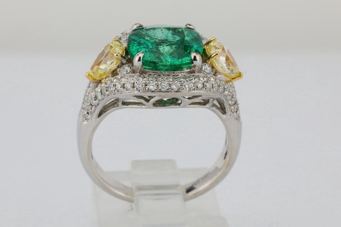 3.85ct Emerald & 1.75ctw Yellow/White Diamond Ring - 9