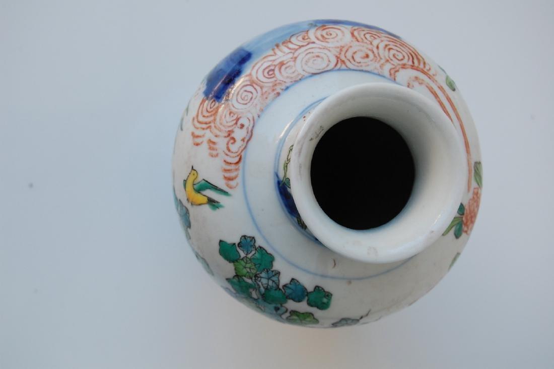 Vietnamese Ming Dynasty Doucai Glazed Vase - 3