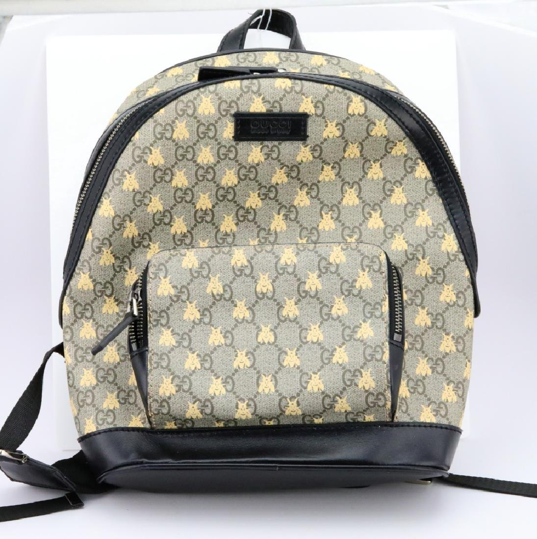 Gucci GG Supreme Bees Backpack (Back Ordered)