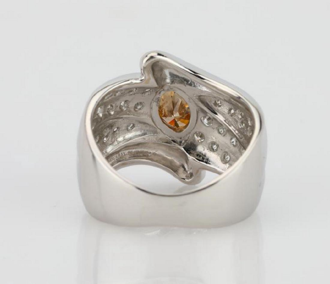 1.20ctw Orangy Brown & White Diamond 18K Ring - 5